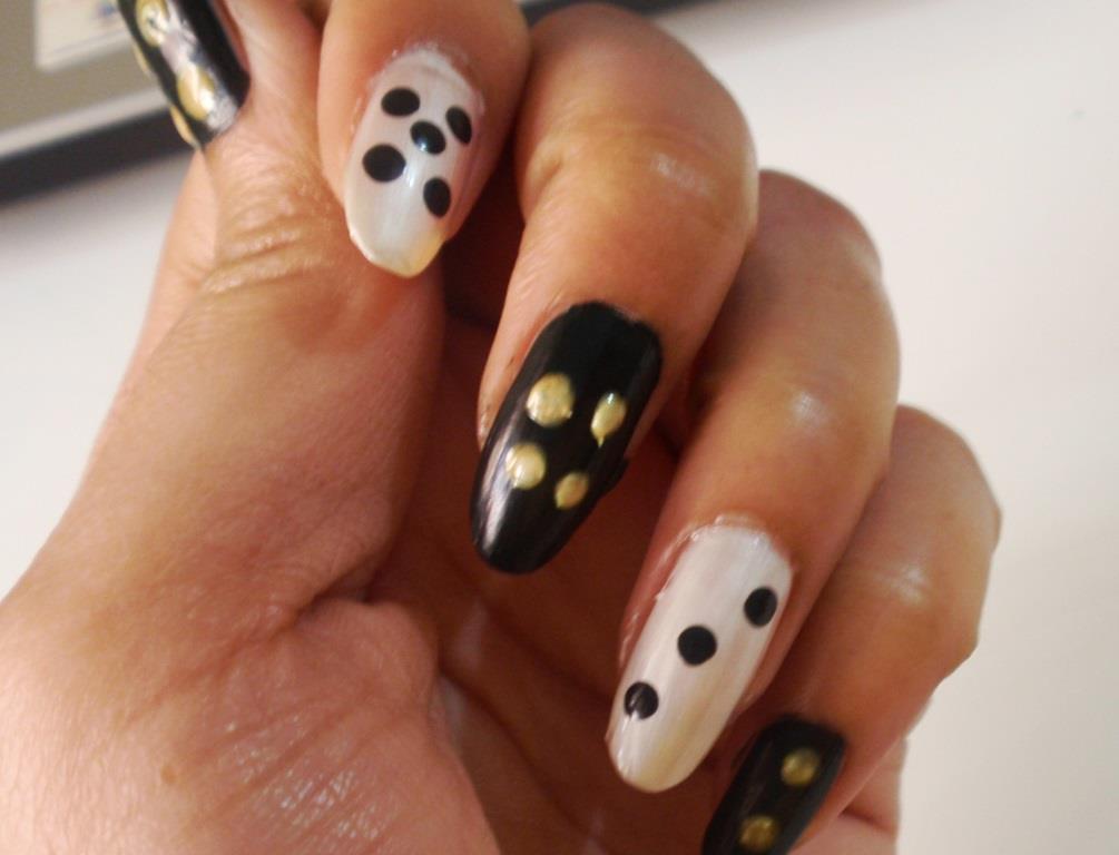 Super Easy Dice Nail A... Girls Nail Polish Designs